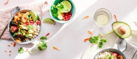 Zdrowa dieta pudełkowa - osiągaj zamierzone cele z fit posiłkami!