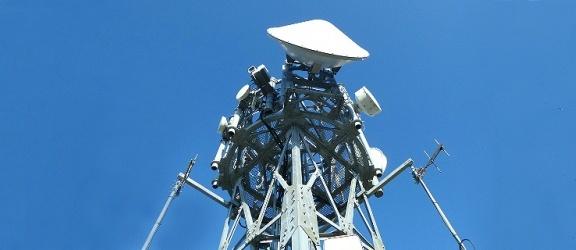 Polskie normy zbyt rygorystyczne? Wprowadzenie w Polsce sieci 5G będzie wymagało ich zmniejszenia