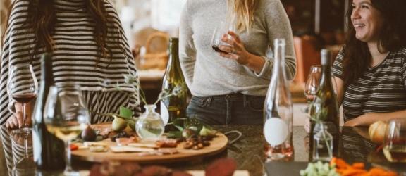 Jak przygotować idealną imprezę? Co podać gościom?