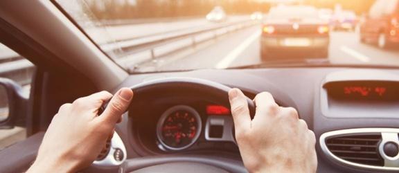 Jak prawidłowo dbać o hamulce w samochodzie?