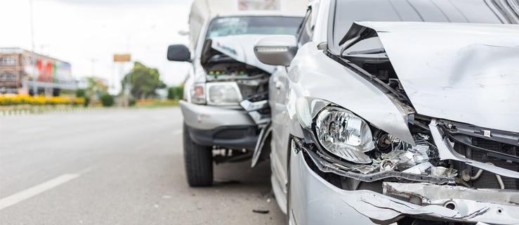 Liczba wypadków w okresie wakacyjnym wzrasta - Mubi podpowiada, jakie ubezpieczenia warto wykupić