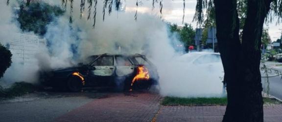 Elbląg. Samochód w ogniu