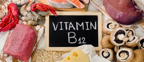 Witamina B12 - jakie są objawy jej niedoboru oraz nadmiaru?
