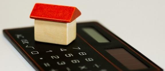 Jak szacować budżet niezbędny na budowę i wykończenie domu?