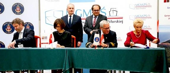 Umowa podpisana. Kanał przez Mierzeję Wiślaną wybuduje konsorcjum NDI i Besix (+ zdjęcia)