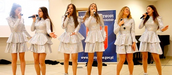 Elbląskie Diamenty zaśpiewały podczas obchodów 100-lecia Towarzystwa Przyjaciół Dzieci (+ zdjęcia)