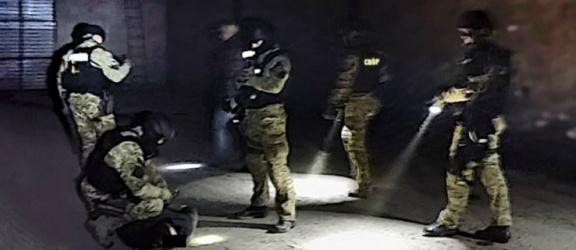 Elbląscy funkcjonariusze w akcji rozbicia mafii paliwowej. Chodzi o ponad 100  milionów zł