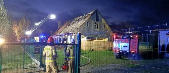 Pożar budynku mieszkalnego, który wcześniej był remizą (+zdjęcia)