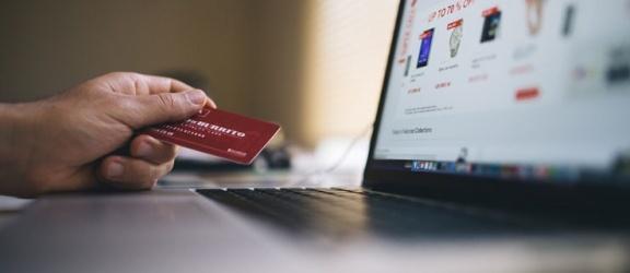 Jak zaoszczędzić pieniądze podczas zakupów?