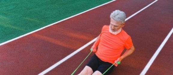 Gumy do ćwiczeń uniwersalną pomocą podczas treningu