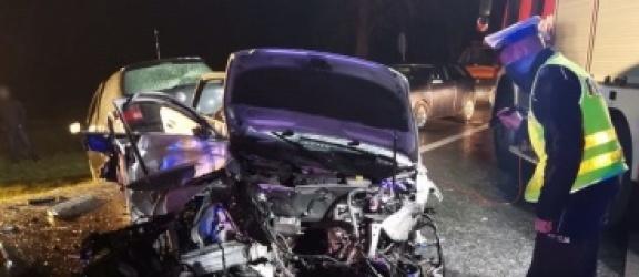 Zginęła pasażerka audi, a cztery osoby są ranne