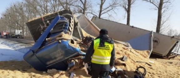 Zginął kierowca ciężarówki na drodze krajowej