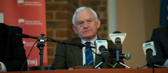 Leszek Miller (SLD): Elbląg jest ważnym sprawdzianem politycznym (opinia)