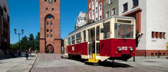 Zabytkowy tramwaj stanął pod Bramą Targową