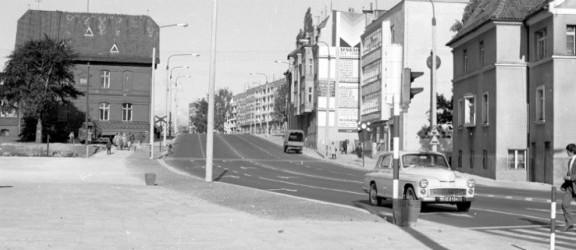 PRL wiecznie żywy: Polacy tęsknią, wspominają i zbierają pamiątki