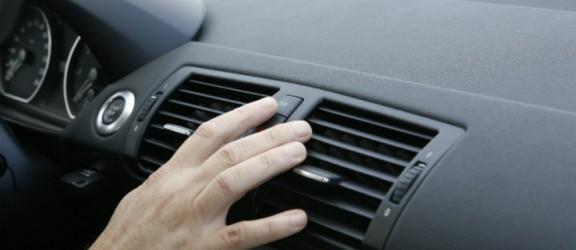 Poradnik. Jak wytrzymać upał w samochodzie?