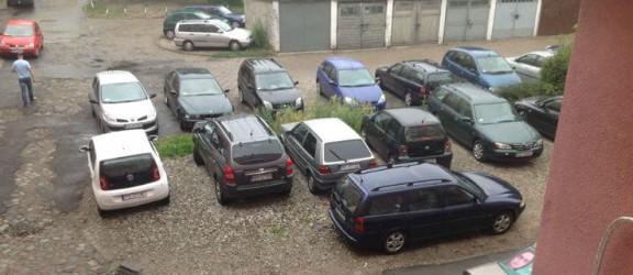 Daj znać: zawalone parkingi w centrum miasta