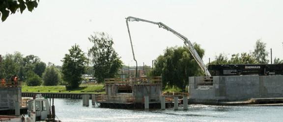 Specjal Pub Grupy Żywiec stanie nad rzeką Elbląg