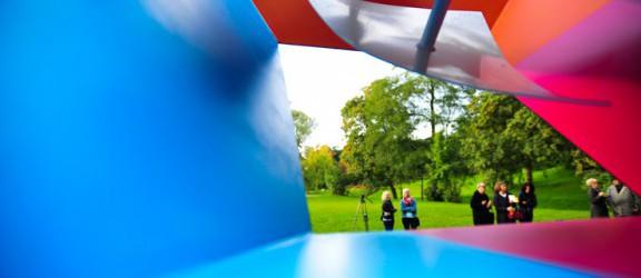 W parku Dolinka uroczyście odsłonięto formę przestrzenną Jana Chwałczyka
