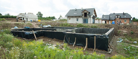 Na Bielanach powstają nowe drogi i domki jednorodzinne