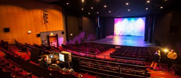 Mobbing, nepotyzm i zastraszanie w Teatrze? Konfilkt dociera do ministra