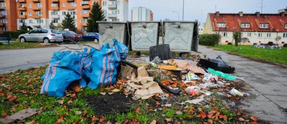 Daj znać: tutaj śmieci czekają dwa tygodnie na odbiór