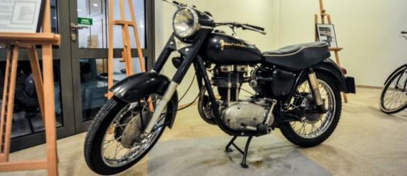 Stare motocykle w nowej odsłonie. Wystawa w Ratuszu Staromiejskim
